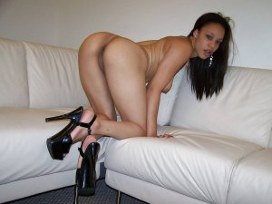 Idalie escort girl in Dubuque